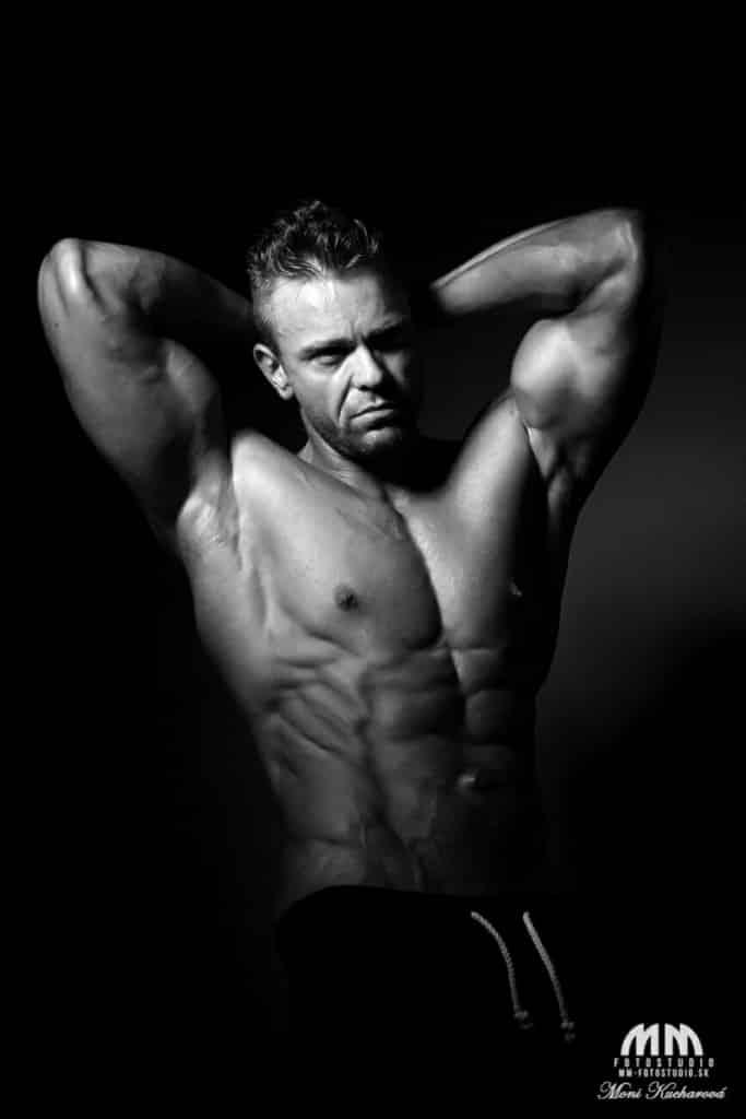 profesionálny fotograf Bratislava Moni Kucharová fotenie pánov módne fotenie fitness foto