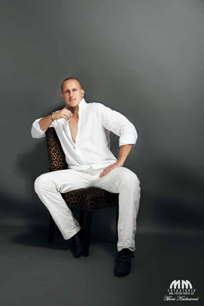 umelecké Moni Kucharová pánske fotky atelier fotenie mužov fitness foto