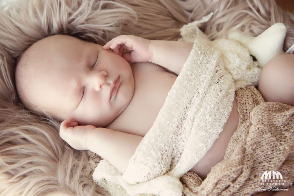 fotenie doma novorodenecké fotenie novorodencov fotenie novorodencov bratislava bratislava profesionálny fotograf Bratislava