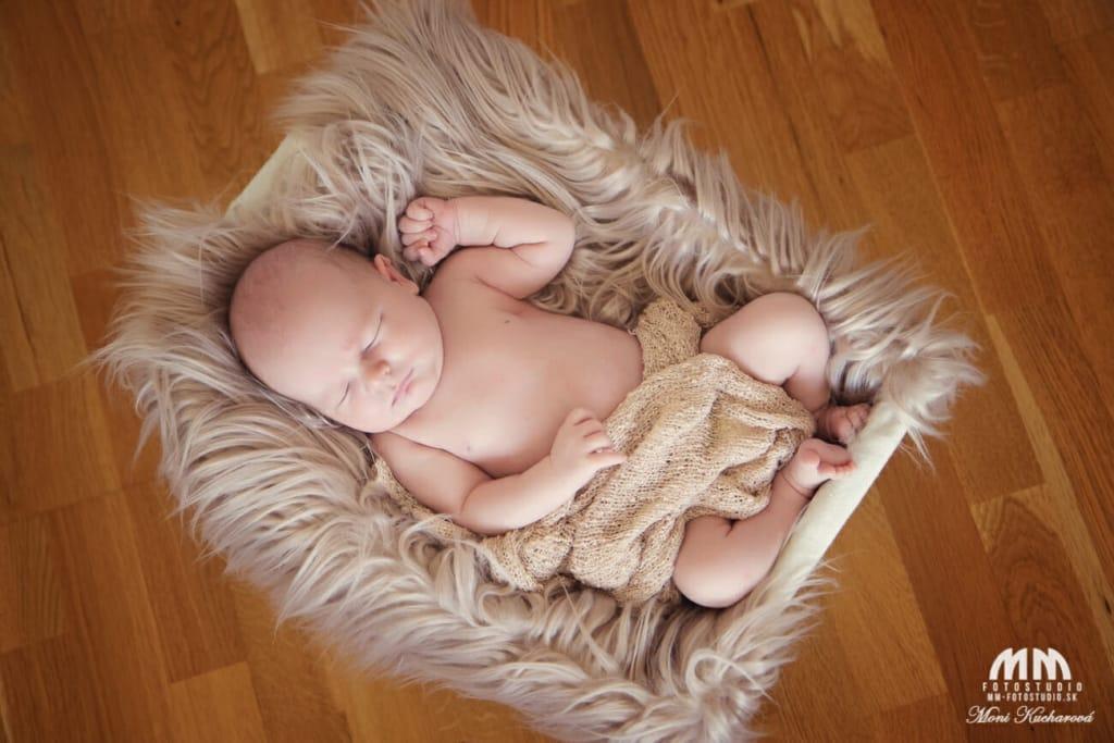 Moni Kucharová profesionálny fotograf Bratislava novorodenecke fotenie bratislava atelier foto novorodencov bratislava