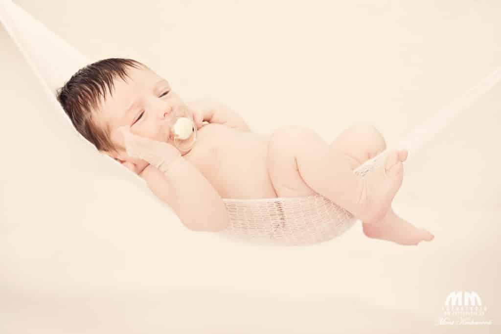 Moni Kucharová profesionálne fotenie profesionálny fotograf Bratislava atelier fotenie novorodencov bratislava foto novorodencov