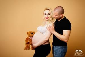 umelecké fotenie tehotenske fotky fotenie doma Moni Kucharová fotenie tehuliek profesionálne fotenie Bratislava