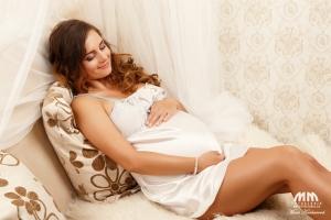 tehotenske fotenie bratislava fotenie tehuliek fotografka Moni Kucharova