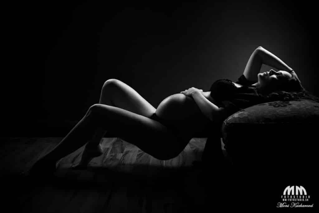 fotografka tehotenske fotky tehulky umelecké tehotenské akty atelier fotenie aktov