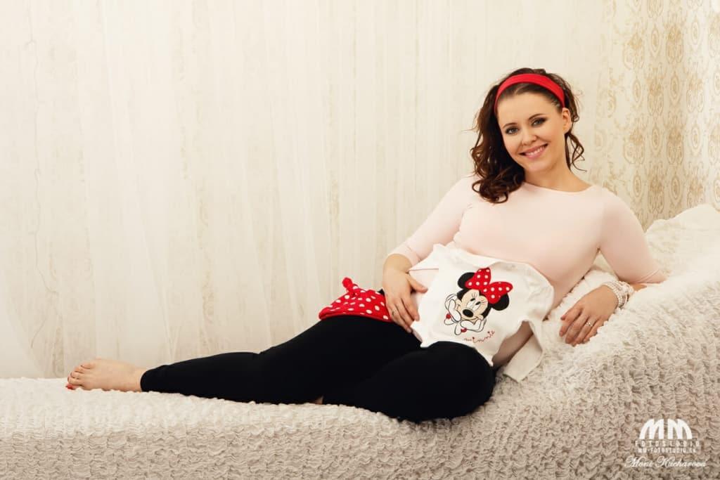 fotografka maminy fotenie bruska Moni Kucharová Tehotenské fotografie profesionálne fotenie Bratislava