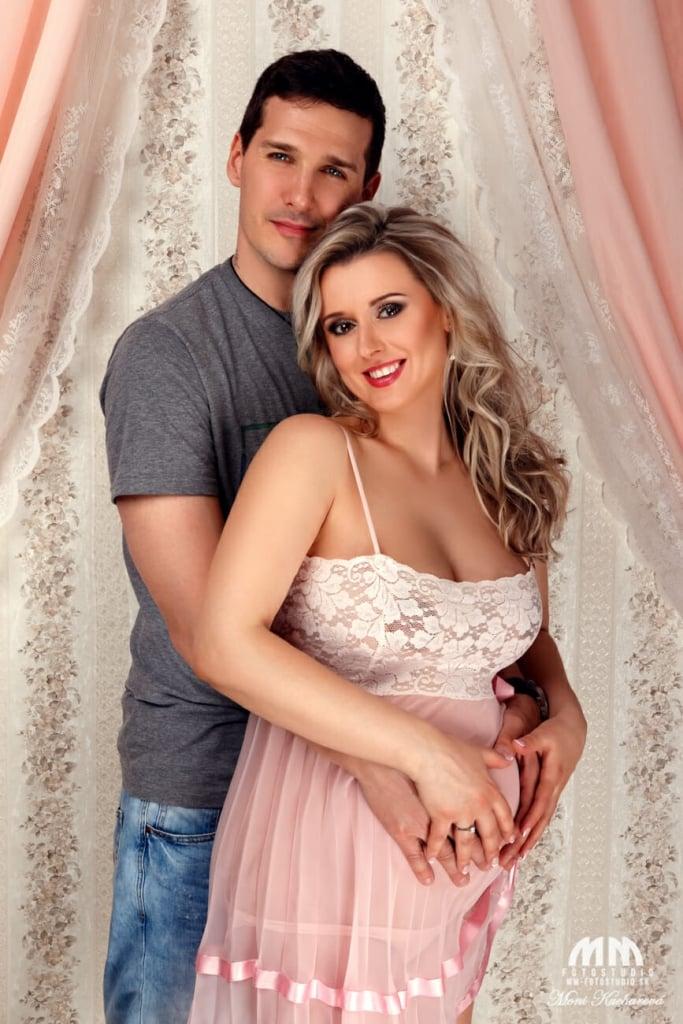 profesionálny fotograf Bratislava tehulky profesionálne fotenie Bratislava maminy Moni Kucharová tehotenské fotenie