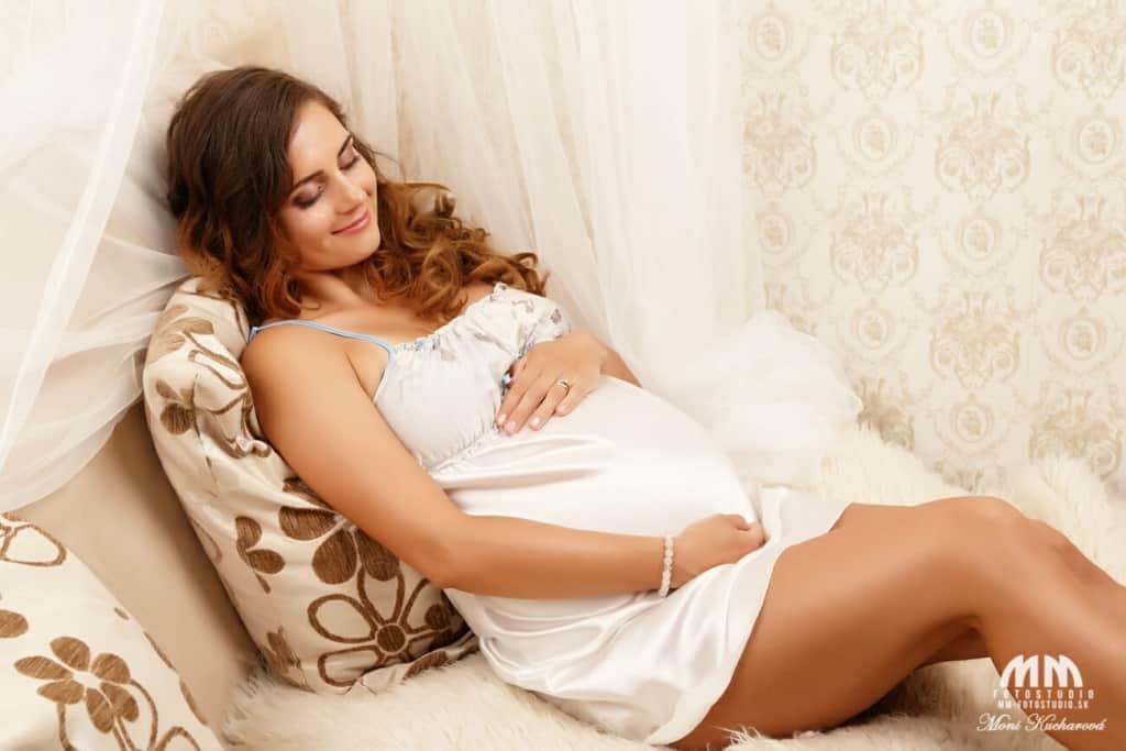 fotoštúdio tehotenske fotky atelier fotografka tehotenské fotenie profesionálne fotenie Bratislava