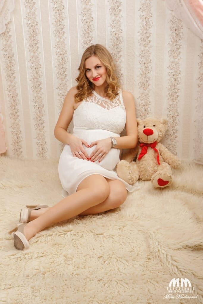 profesionálne fotenie Bratislava maminy profesionálny fotograf Bratislava fotografka fotenie bruska fotenie doma